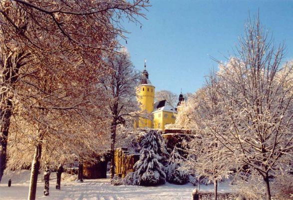 Schloß Homburg bei Nümbrecht im Schnee (Dezember 2001)