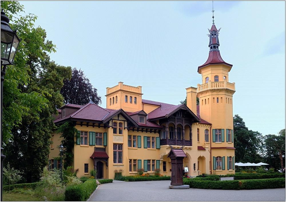 ... Schloss Hubertushöhe ...