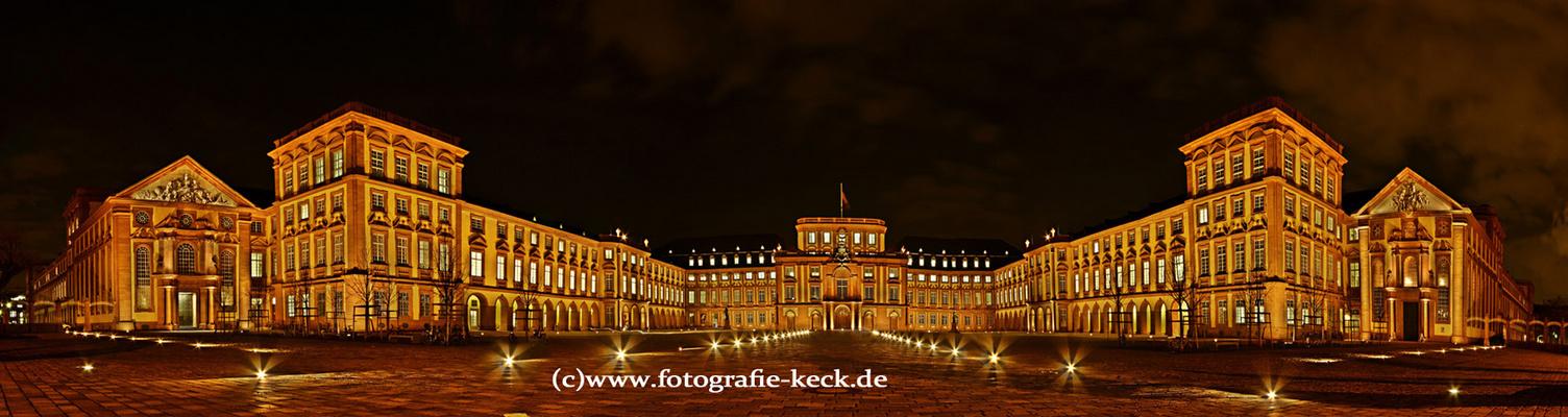 Schloss in Mannheim Panorama im November-2009