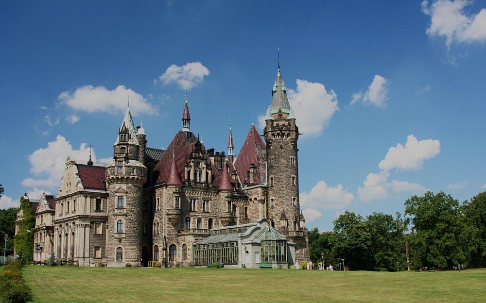 Schloss in Moszna