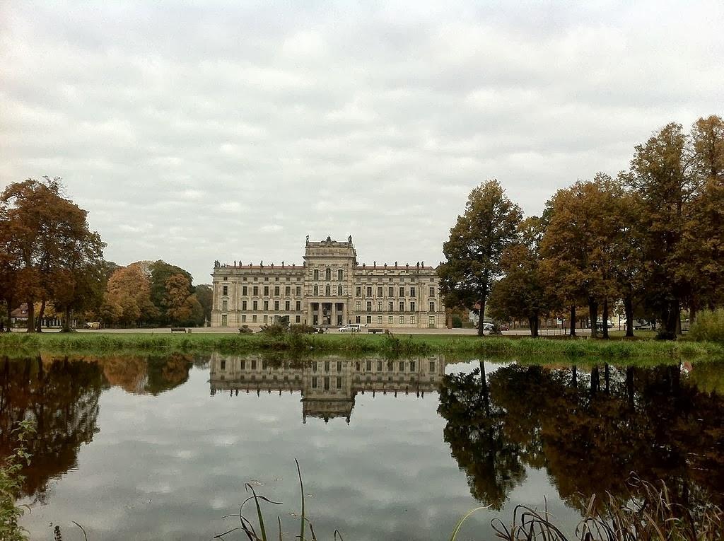 Schloss Ludwigslust im Wasser