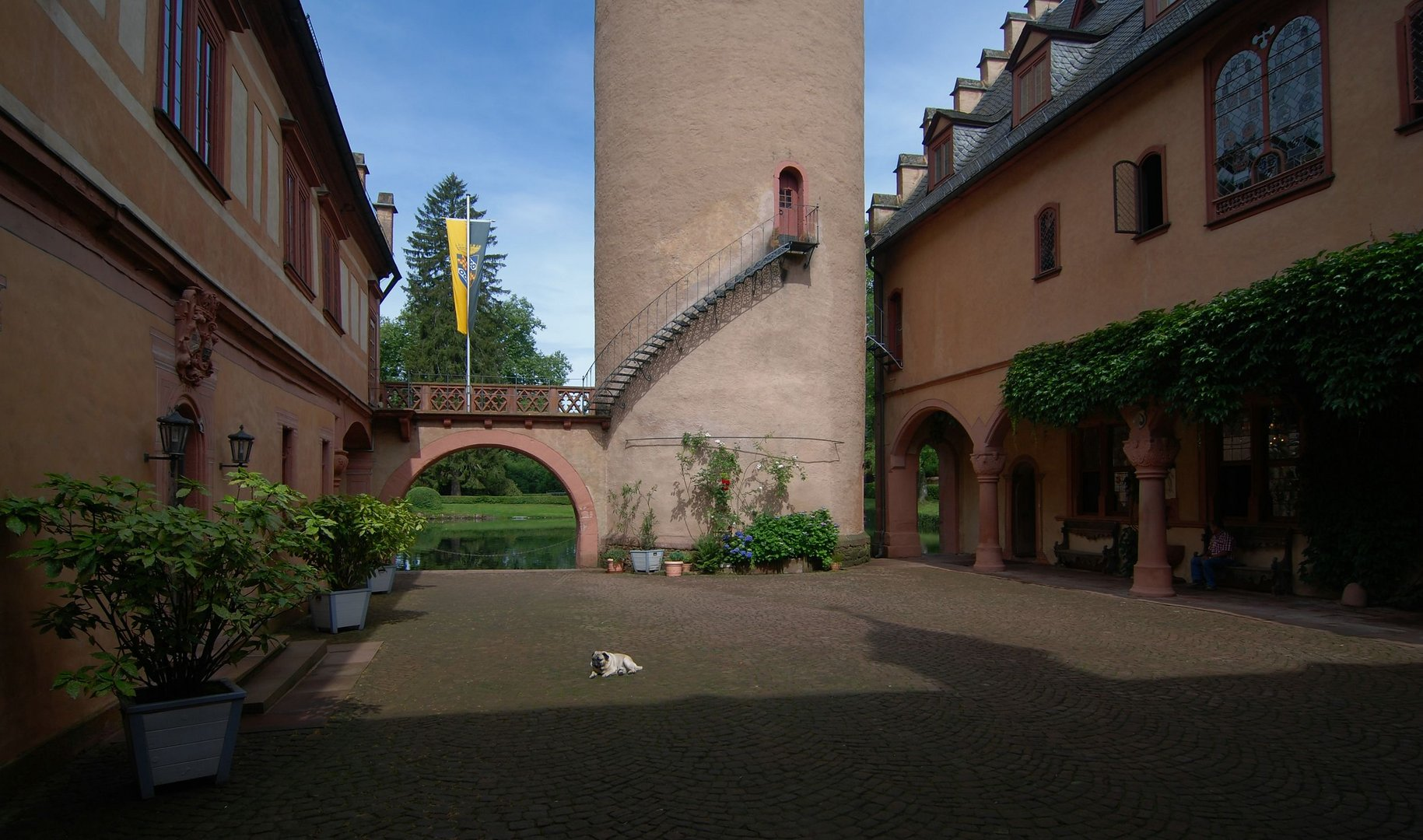 Schloss Mespelbrunn (2)