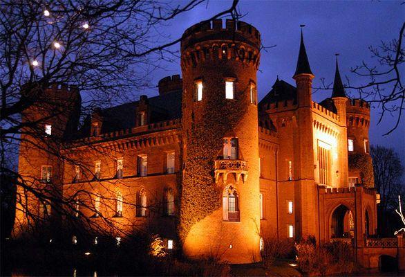 Schloss Moyland bei Nacht