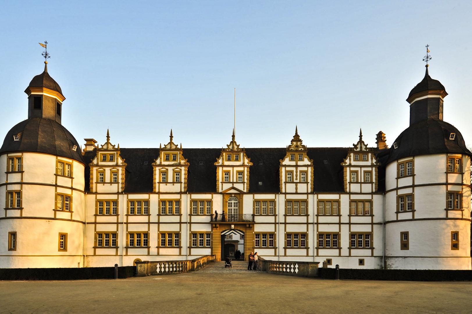 Schloss Neuhaus