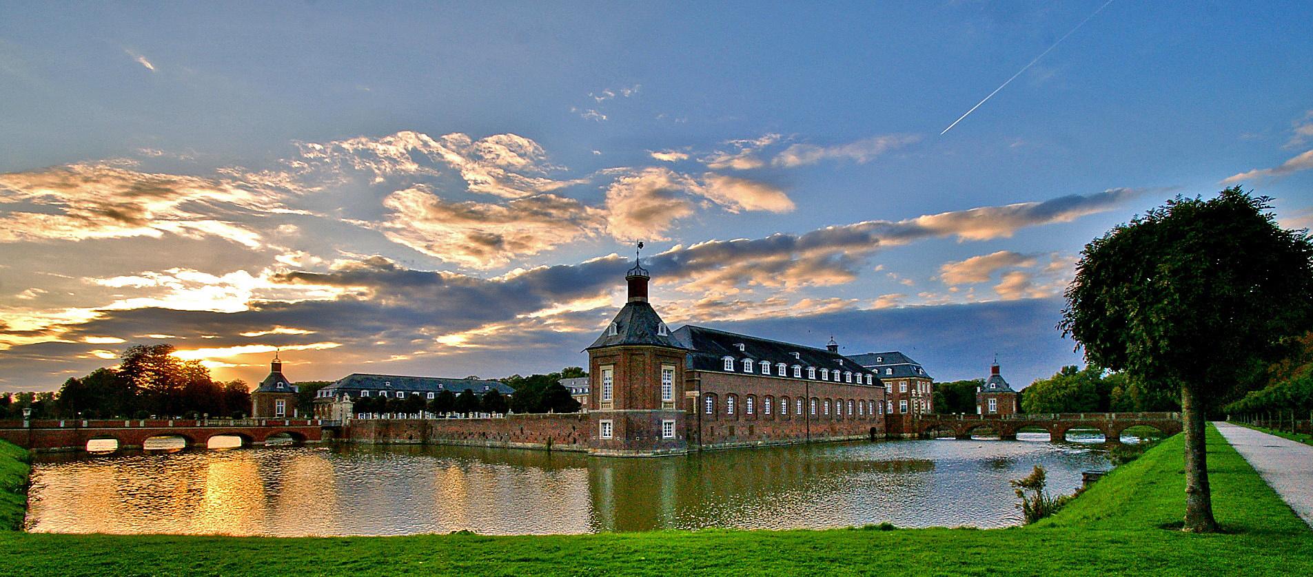 Schloss Norkirchen im Abendlicht..