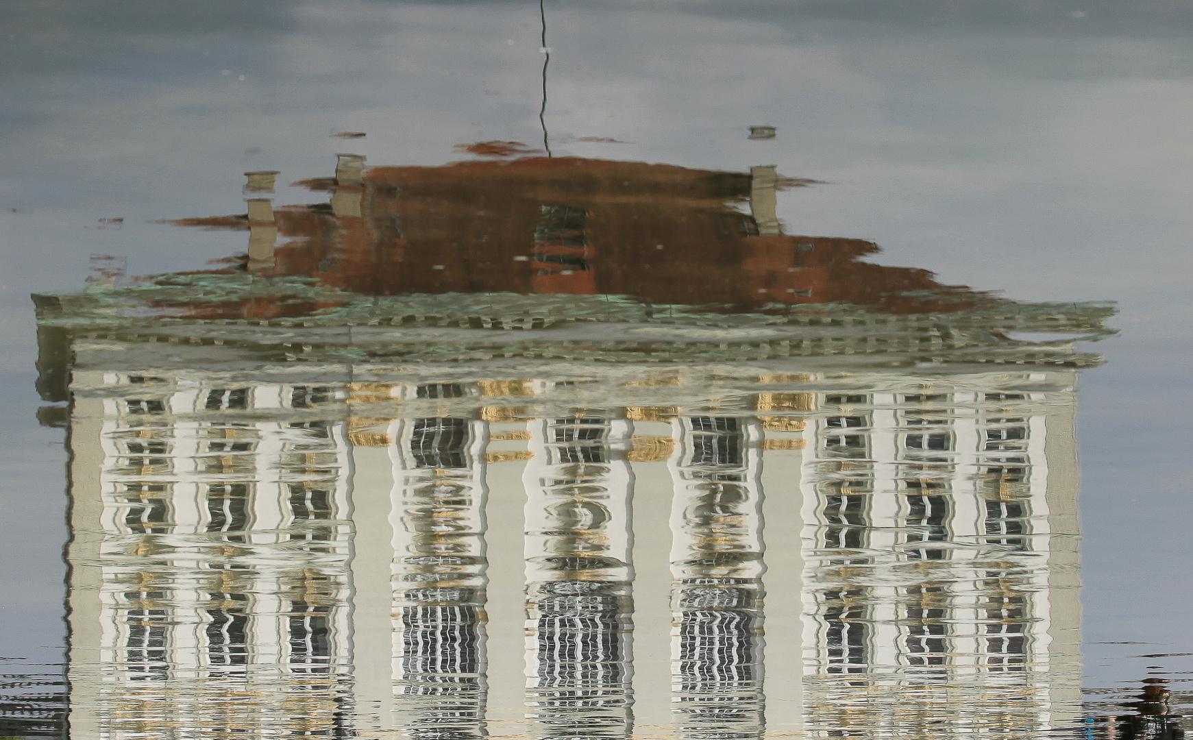 Schloss Nymphenburg im Wasser