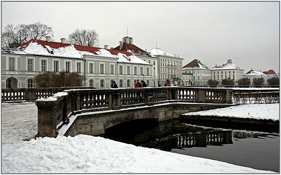 Schloß Nymphenburg - von der Seite gesehen