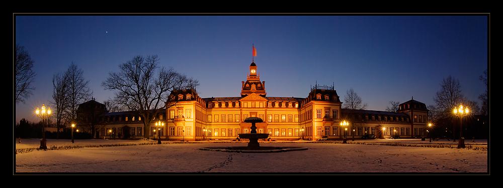 Schloss Philippsruh in der blauen Stunde