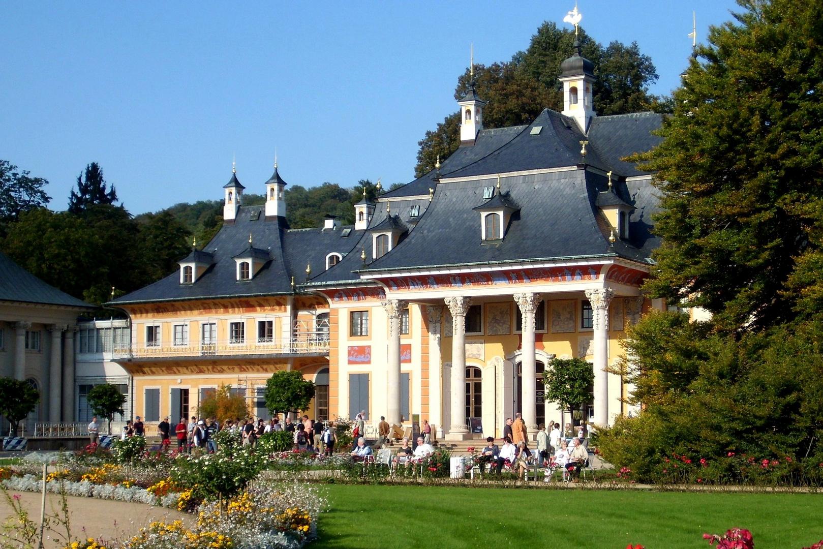 Schloss Pillnitz an einem schönen Sommertag
