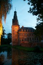 Schloss Raesfeld in der Abenddämmerung
