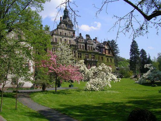 Schloss Ramholz im Frühling