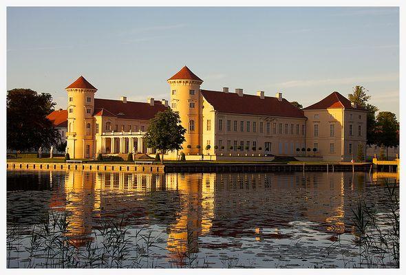 Schloss Rheinsberg am Abend