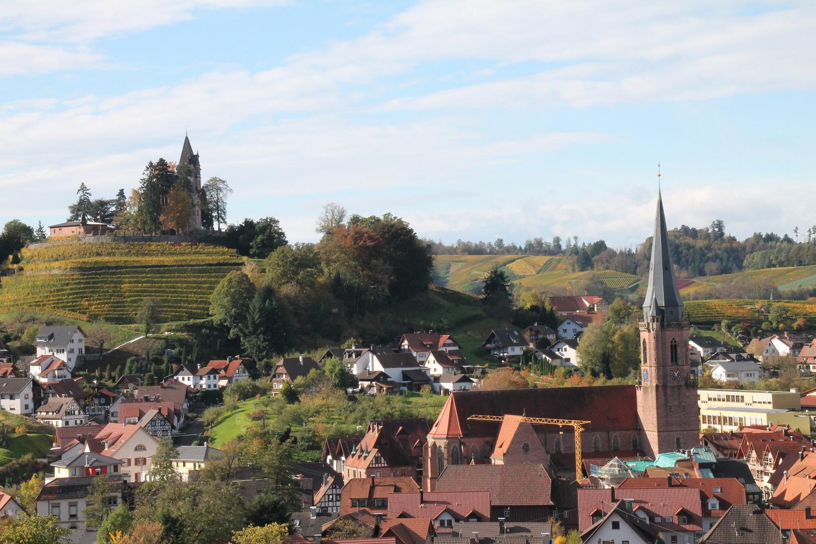 Schloss Rodeck und die Kirche