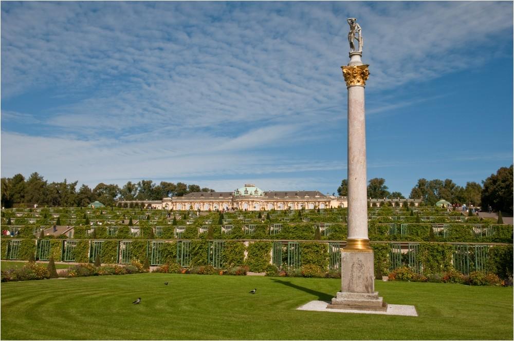 Schloss Sanssouci ...