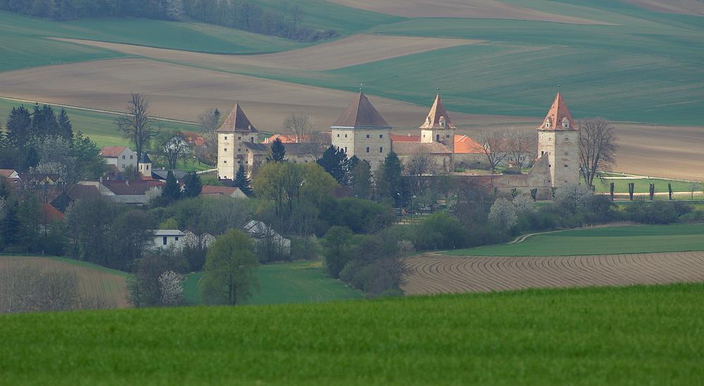 . . Schloss Steinabrunn . .
