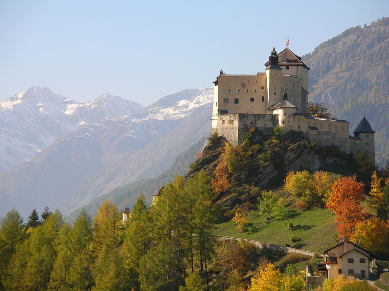schloss tarasp im herbst foto bild europe schweiz. Black Bedroom Furniture Sets. Home Design Ideas