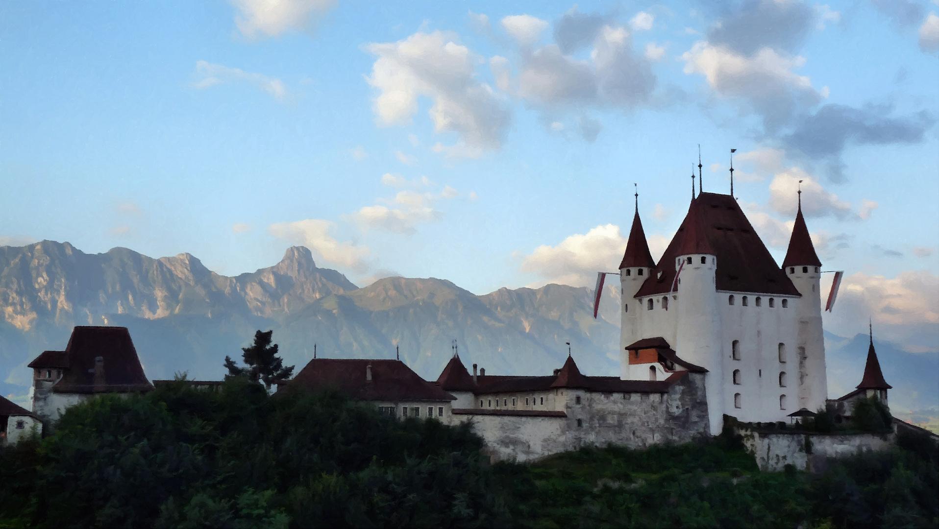 Schloss Thun mit Stockhorn im Hintergrund
