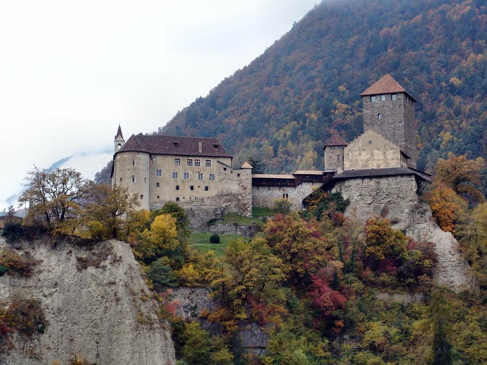 Schloß Tirol.....