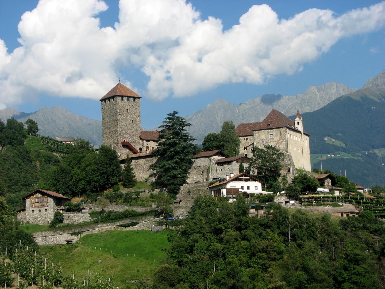 Schloß Tirol für Postkarten ;-)