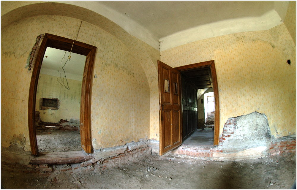 ... Schloss Trautmannsdorf ...