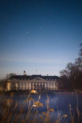 Schloss Varlar bei Nacht