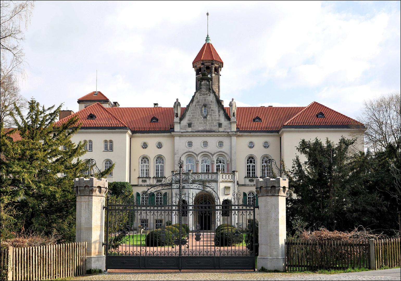 Schloss Waldenburg im Frühling~~~~Nr.: 1