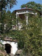 Schloss Waldenburg----------Teehaus ( mit Notausgang? )