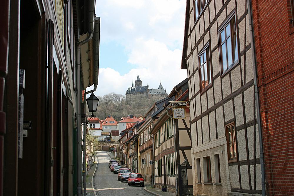 Schloß Wernigerode über den Dächern der Altstadt