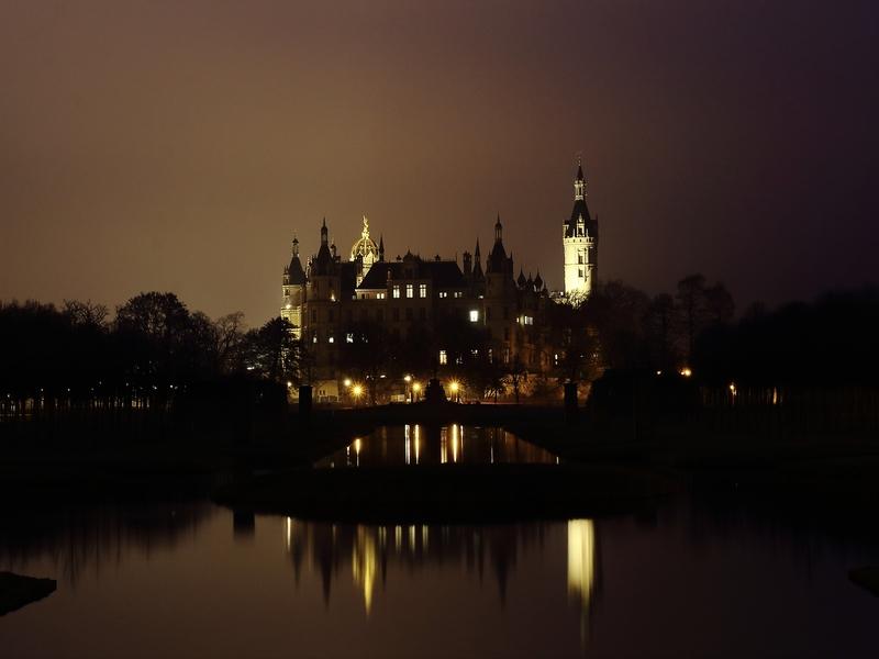Schloßansicht Schwerin bei Nacht