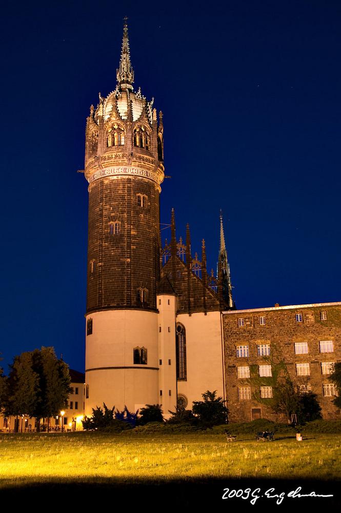 Schlosskirche Wittenberg bei Nacht