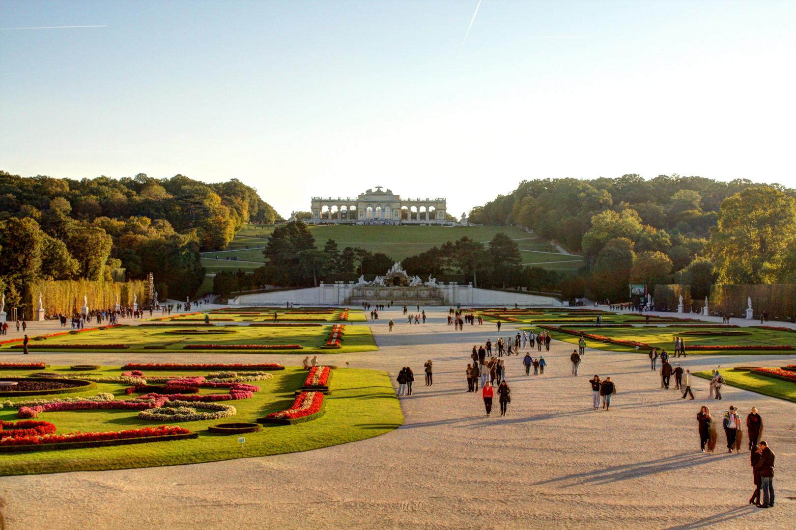 Schlosspark Schönbrunn und die Gloriette