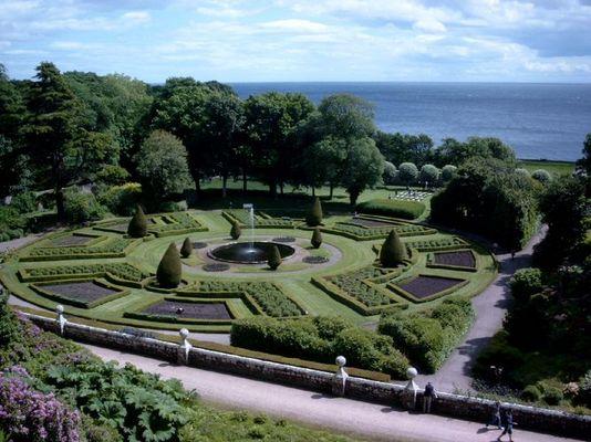 Schloßpark von Dunrobin Castle