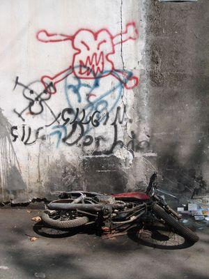 Schlussmit Motorrad fahren! (im Gewerbegebiet Alanya)