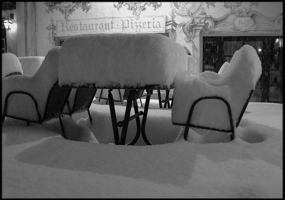 Schnee am Abend . . . .