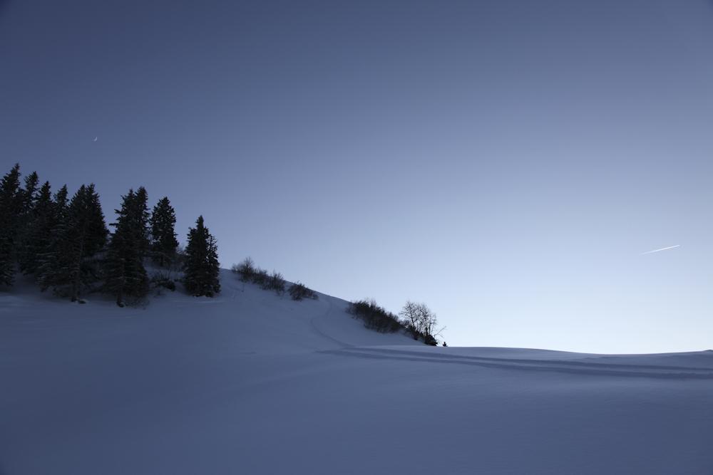 Schnee, Mond & Flugzeug