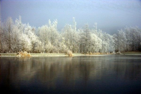 ...Schnee und Eis hört man knistern....