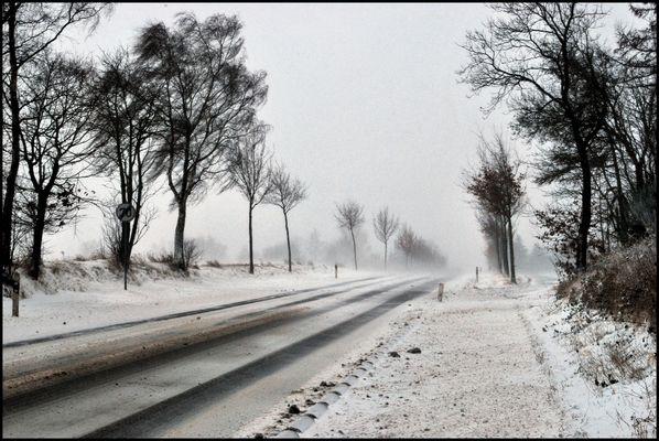 Schnee und Wind in der Eifel