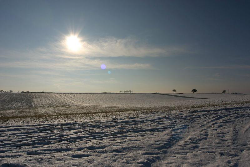 Schneelandschaft beleuchtet