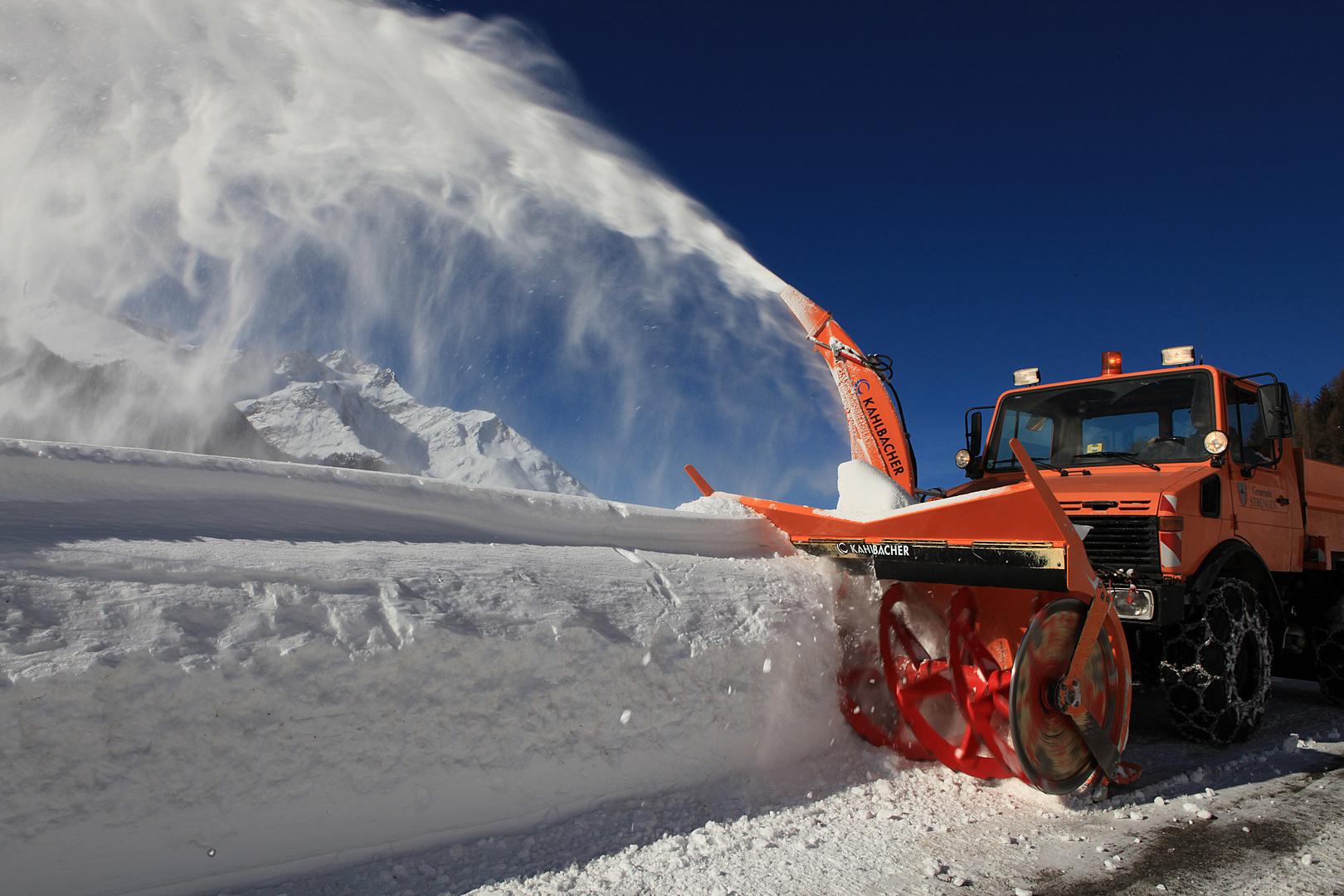 Schneeräumfahrzeug bei uns Zuhause