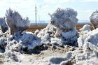 Schneeskulpturen durch den Wind geformt_01