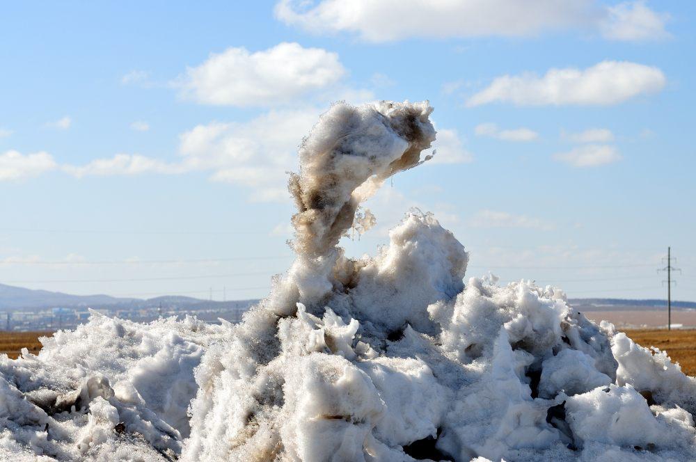 Schneeskulpturen durch den Wind geformt_02