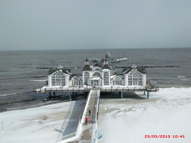 Schneestrand im März