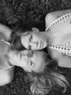 Schneeweichen und Rosenrot   (Geschwisterliebe)