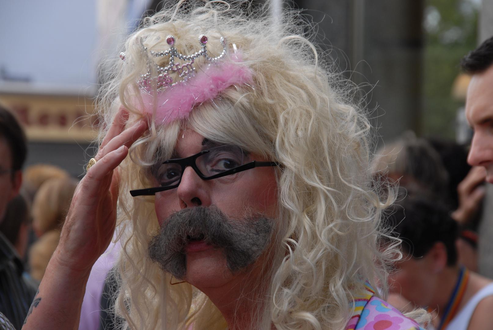 Schnurbart - Prinzesin auf dem CSD in Köln