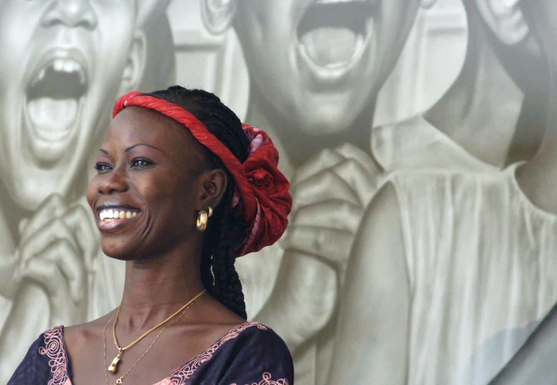 Schöne Frau im Senegal