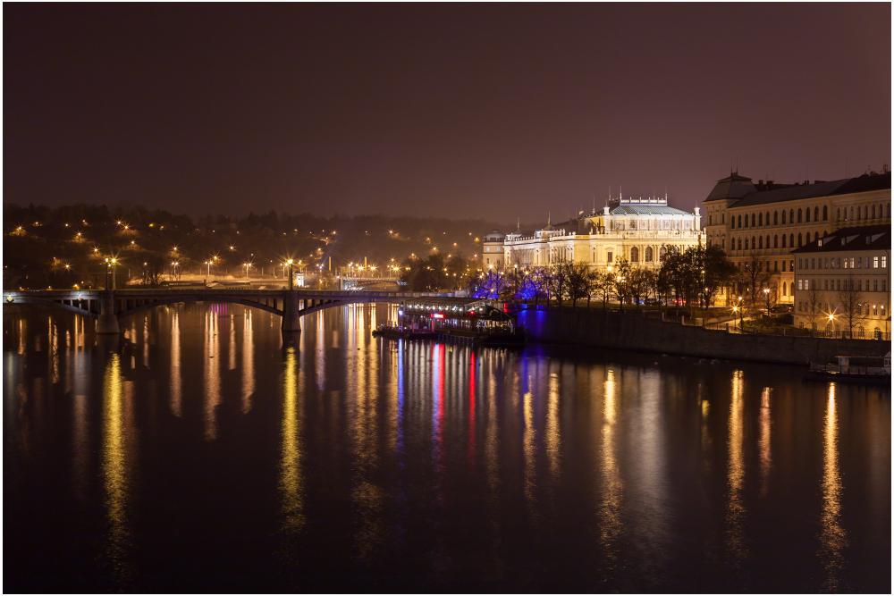 schöne goldene Stadt