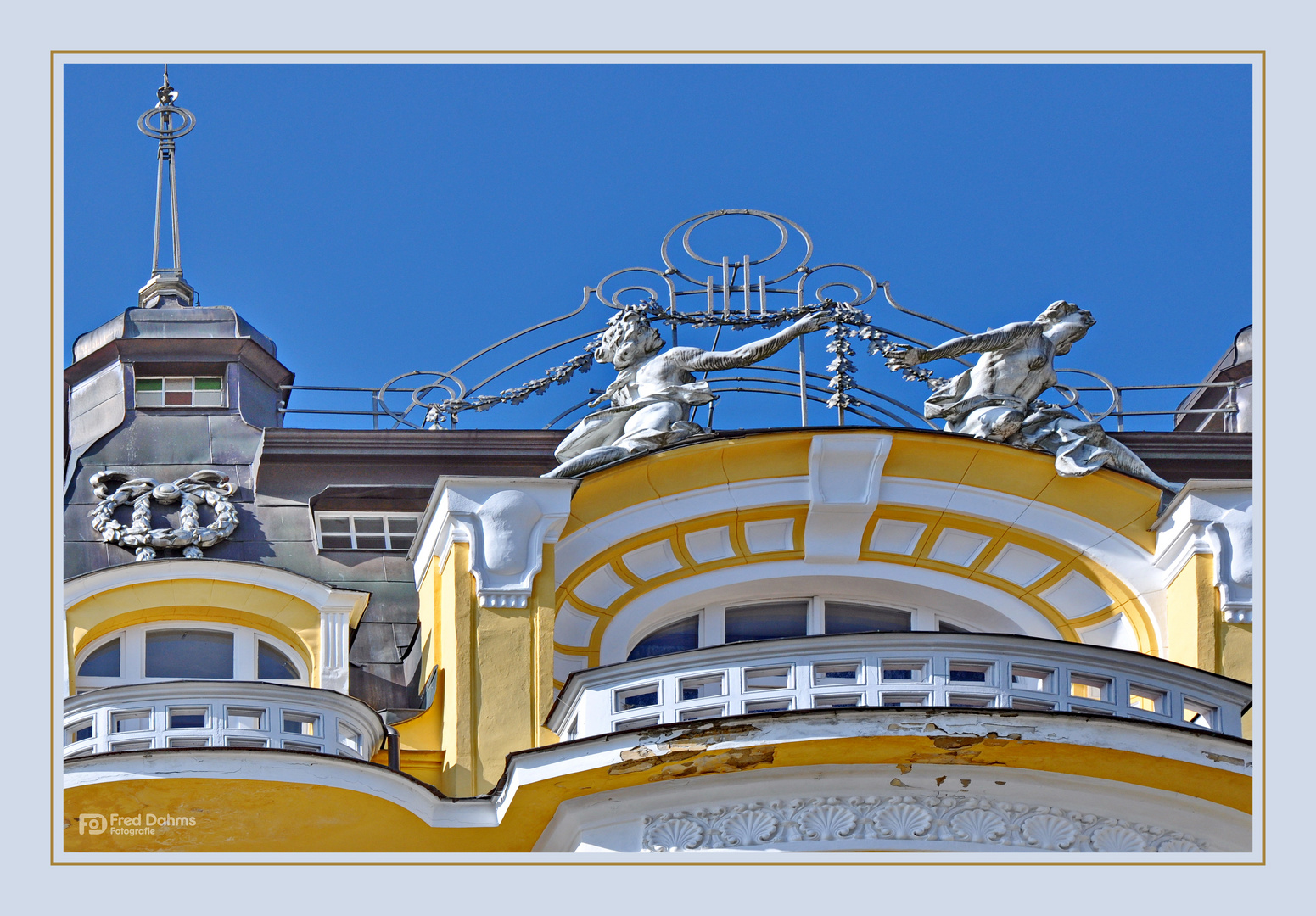 Schöne Häuserfassaden in Marienbad II