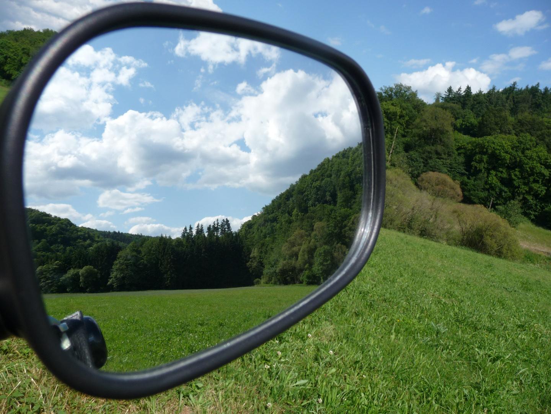 Schöne Landschaft im Spiegel