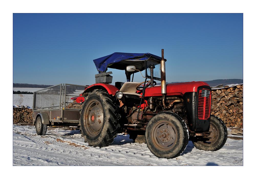 schöner alter Traktor