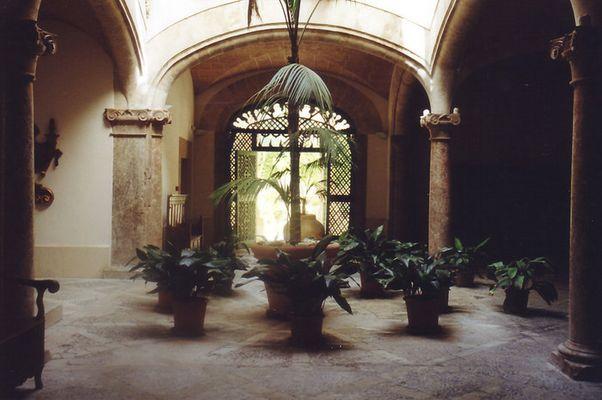 Schöner Innenhof in Palma